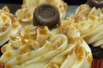 Win a free 6 pack of Caramel Toffee Cupcakes